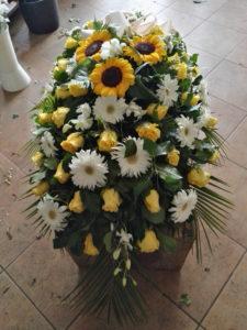 Tralcio di Rose gialle Gerbere bianche e Girasoli